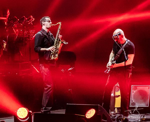 Ryan Saranich, Damian Darlington - Brit Floyd. Photo by Toby Karlquist - torenka.com